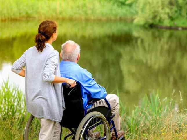 elder-care-41c78c676765b6932191b5118eb63517edcbdbff-s6-c30