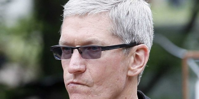 Tim-Cook-angry-pissed-upset
