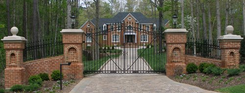 driveway-entrance-gates.jpg.pagespeed.ic.J7o_LTJl9G